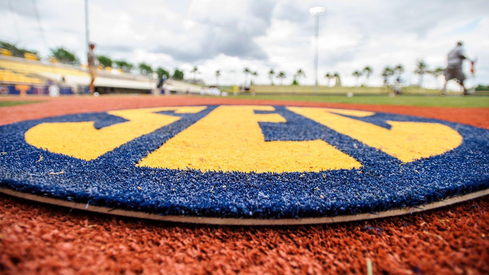 2020 SEC T&F Community Service Team announced