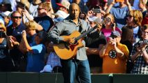 Bernie Williams cantará himno de EEUU en Salón de la Fama