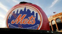 Reports: Mets fire coaches Eiland, Hernandez