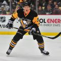 Blackhawks trade for Pens defenseman Maatta