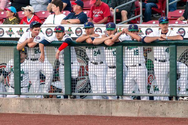 Sources: MLB eyes higher salaries in minors