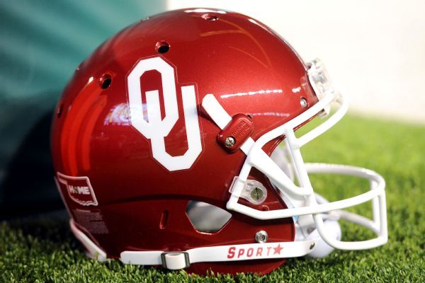 Oklahoma dismisses Tramonda Moore for violating team rules