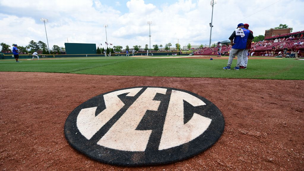 2019 SEC Baseball Community Service Team announced