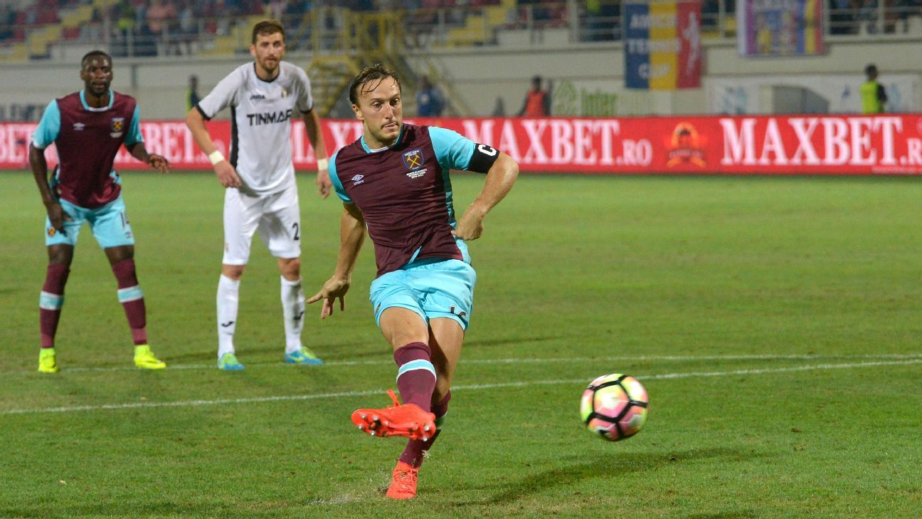 West Ham held to draw in Romania as Sassuolo win in Europa League playoff