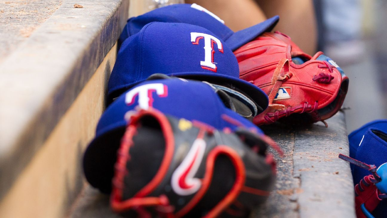 Chris Woodward's Rangers staff includes addition of Luis Ortiz as hitting coach