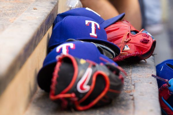 Rangers hire Julio Rangel to handle pitching staff