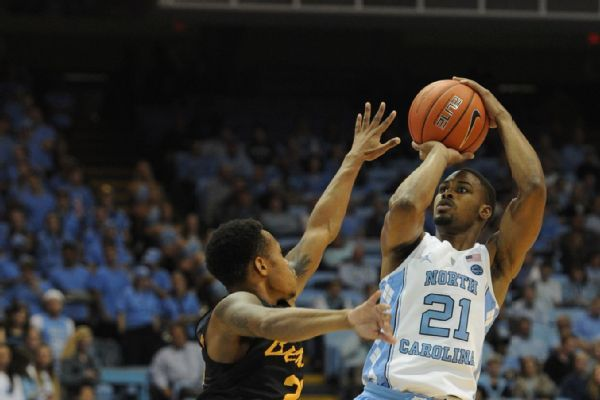 Tar Heels' Woods says he's transferring