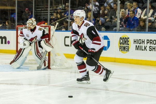 Jakob Chychrun signs Coyotes extension, to make season debut
