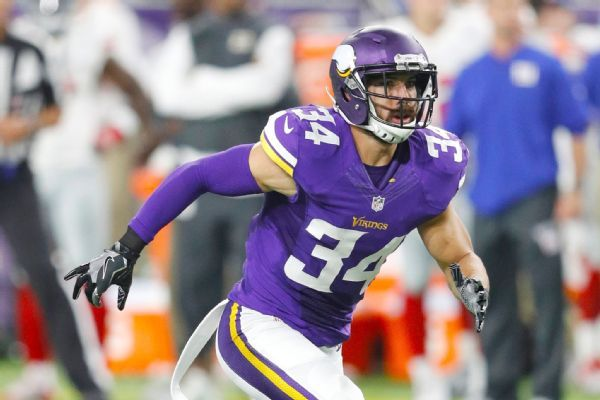 Eagles reach 1-year deal with safety Sendejo