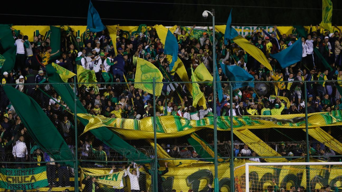 Defensa y Justicia players robbed at gunpoint before training in Argentina
