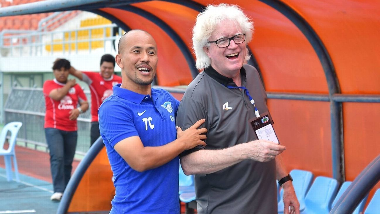 Therdsak Chaiman walks away from Chonburi after Buriram defeat