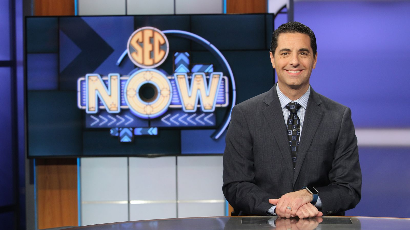 Dari Nowkhah Signs Extension With Sec Network