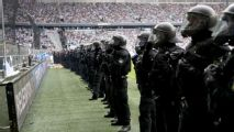 German minister Thomas De Maiziere: Lock up violent football fans