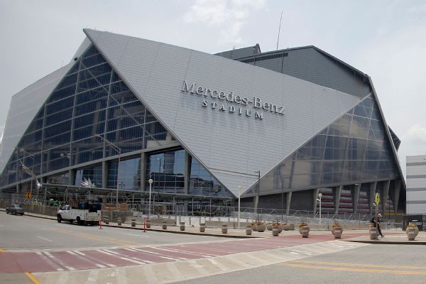 Mercedes-Benz Stadium to keep hot dogs at $2, beers at $5 for Super Bowl LIII