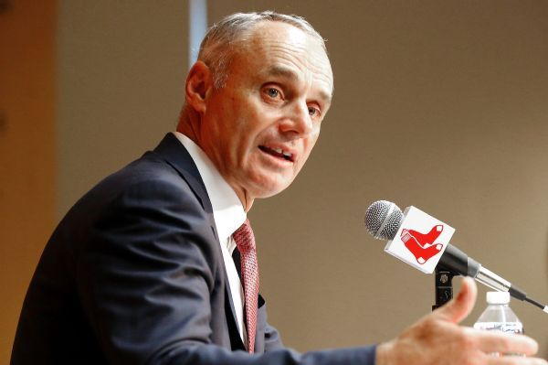 Baseball owners extend commissioner Rob Manfred's contract