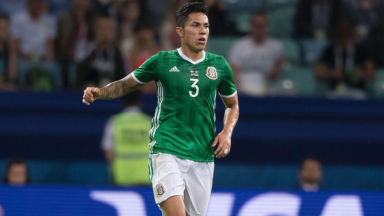 Tras lesión, Carlos Salcedo vuelve al Tri
