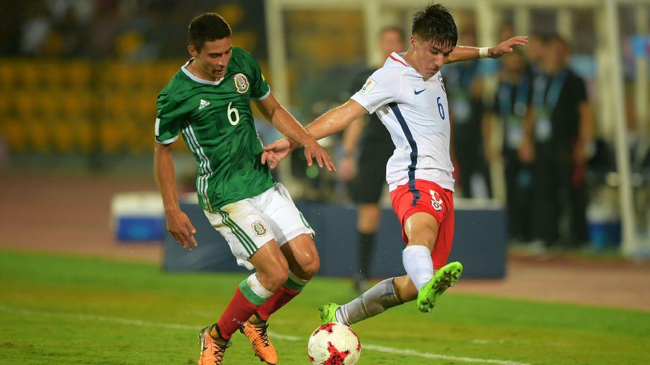 Mexico reach knockouts despite goalless draw