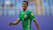 Martino finalizes Mexico squad with Galaxy's Antuna