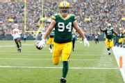 Packers sign DL Lowry to contract extension