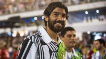 Uruguay striker Sebastian Abreu signs for 26th club, breaks world record