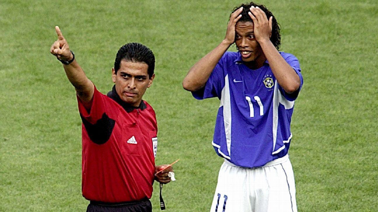 Ramos Rizo no sabía que expulsó a Ronaldinho