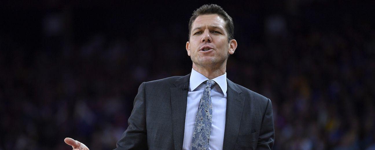 NBA y Kings inician investigación sobre denuncia a Luke Walton