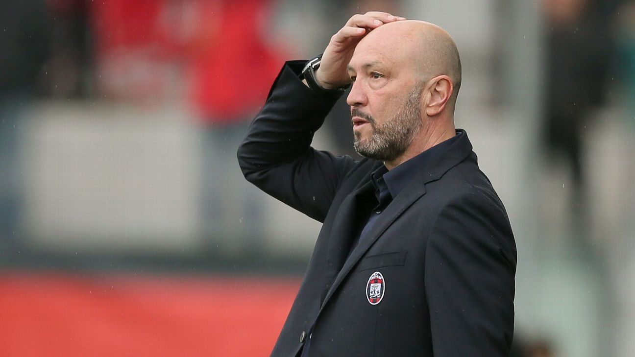 Fiorentina without Davide Astori too painful to watch - Crotone boss Walter Zenga