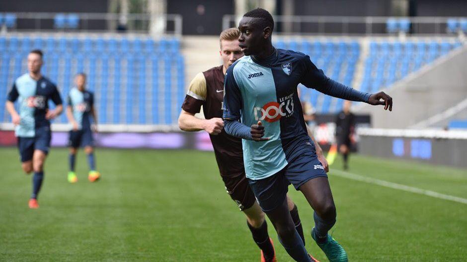 Jogador da segunda divisão francesa morre aos 18 anos