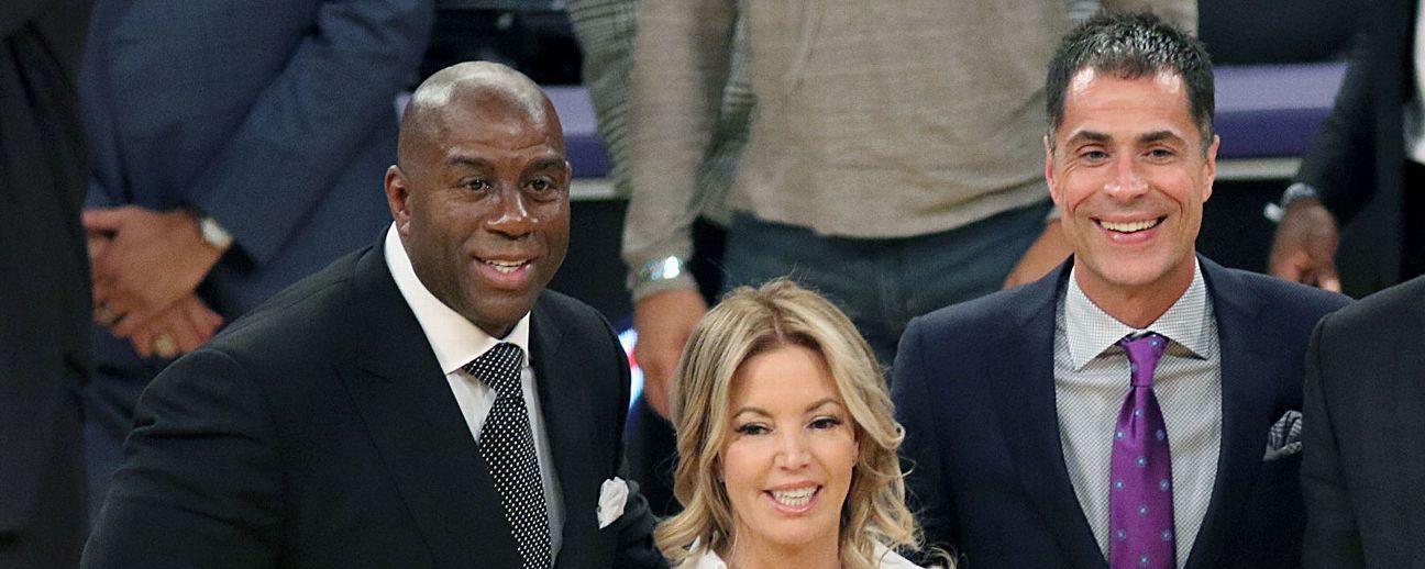 El drama público de los Lakers es una crisis de la dueña Jeanie Buss