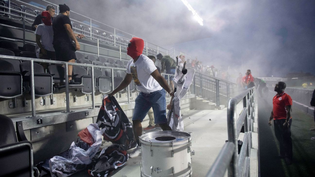 Toronto FC suspends fan groups' privileges after fire in stands