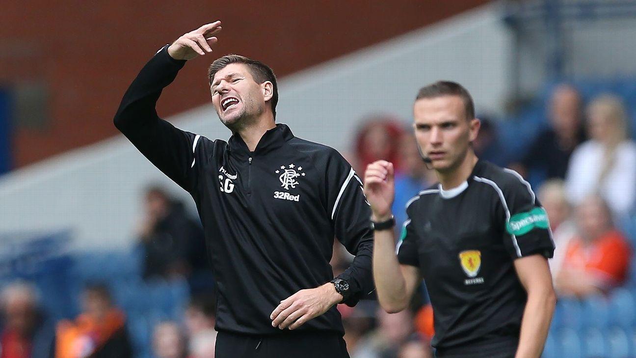 Steven Gerrard critica grama artificial após lesão de dois jogadores do Rangers