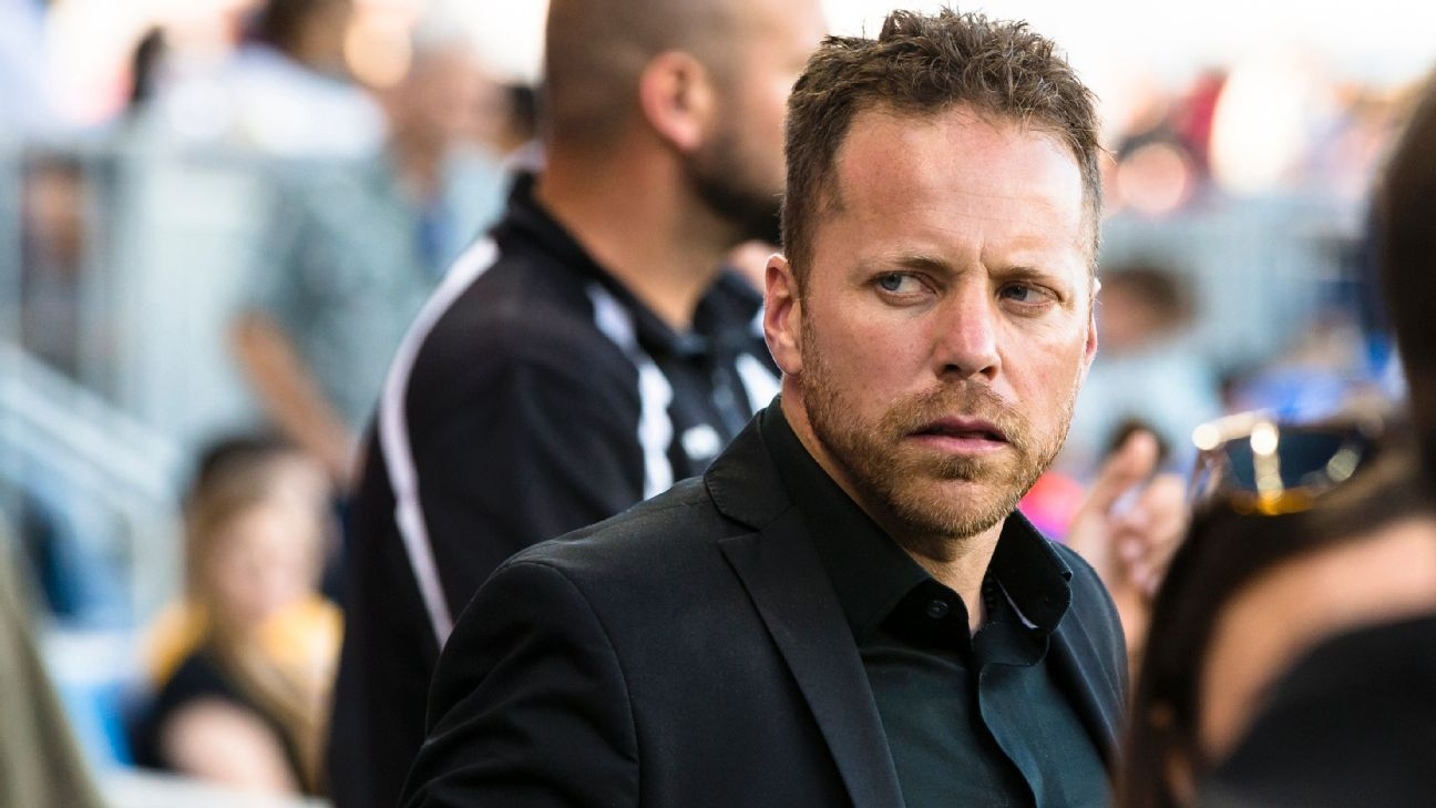 Vancouver Whitecaps name Marc Dos Santos as new manager to replace Carl Robinson