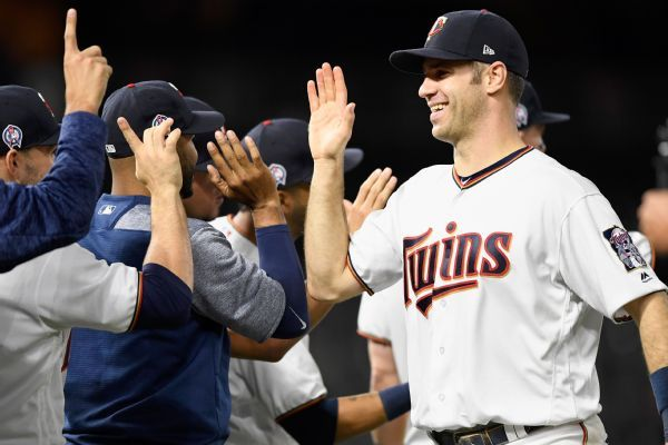 Joe Mauer officially bids Twins farewell in tear-filled news conference
