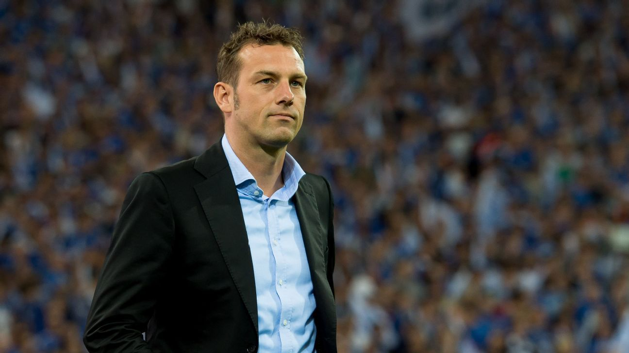 Stuttgart appoint Markus Weinzierl as coach to replace Tayfun Korkut