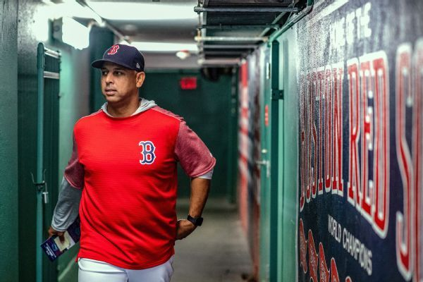 Red Sox manager Alex Cora may reconsider decision to visit White House
