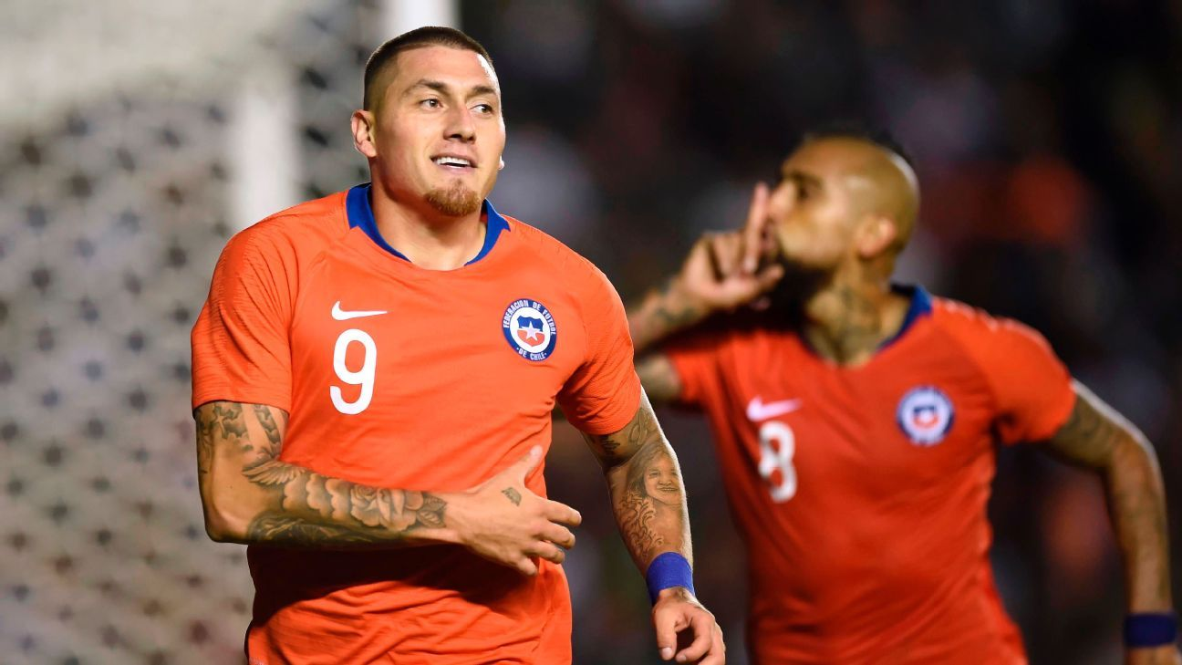 Last-minunte goal by Nicolas Castillo gives Chile win over Mexico