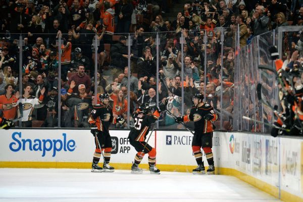 Ducks' extension keeps team in Anaheim through at least 2048