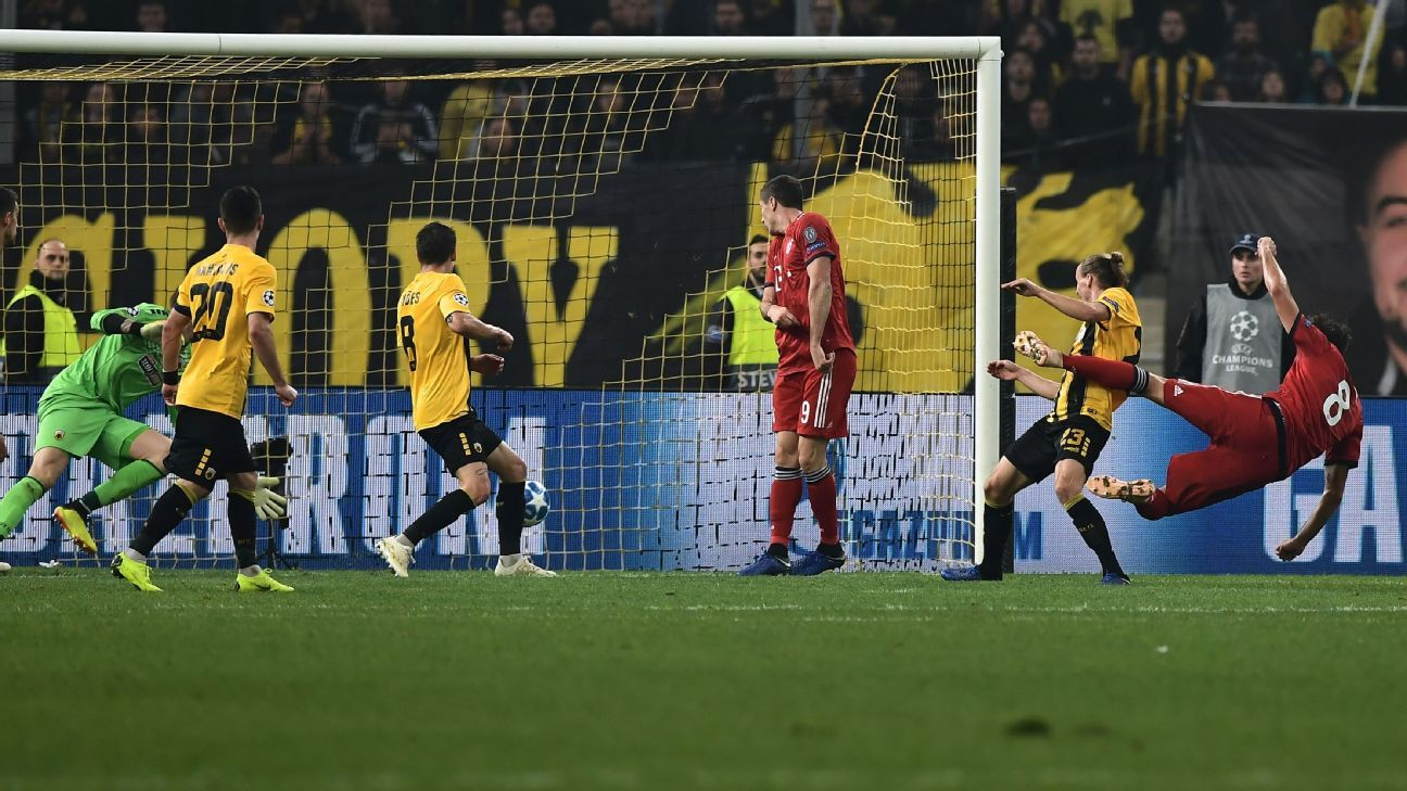 Javi Martinez, Robert Lewandowski lead Bayern Munich to win over AEK Athens