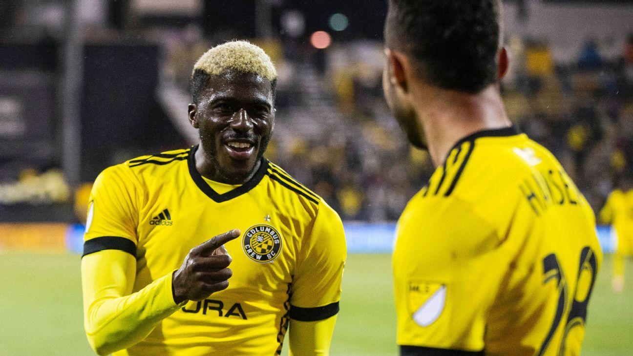 Gyasi Zardes scores three goals to propel playoff-bound Crew