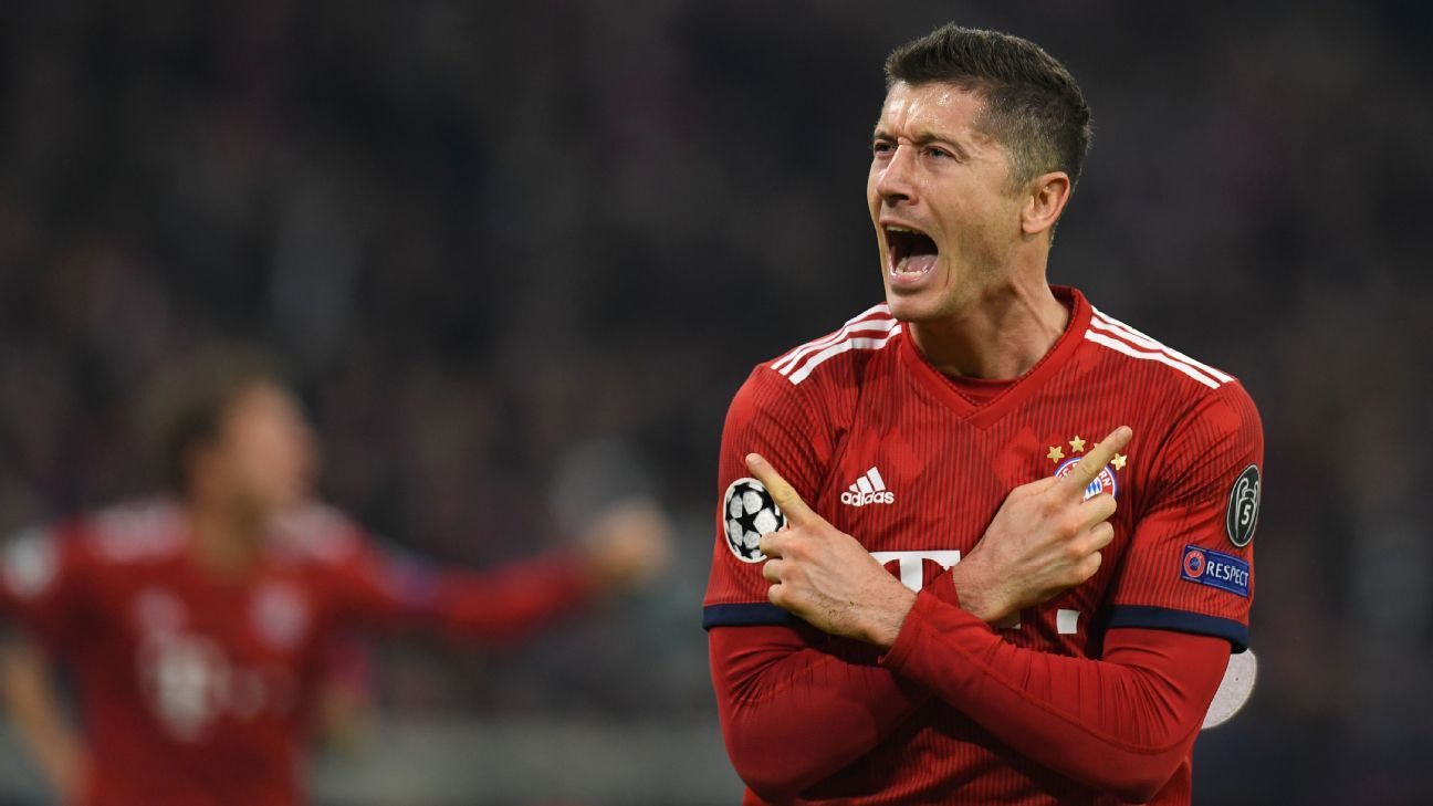 Robert Lewandowski's double gives Bayern Munich win over AEK Athens