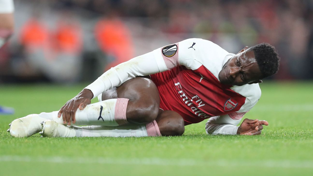 Arsenal's Danny Welbeck has second surgery on broken right ankle