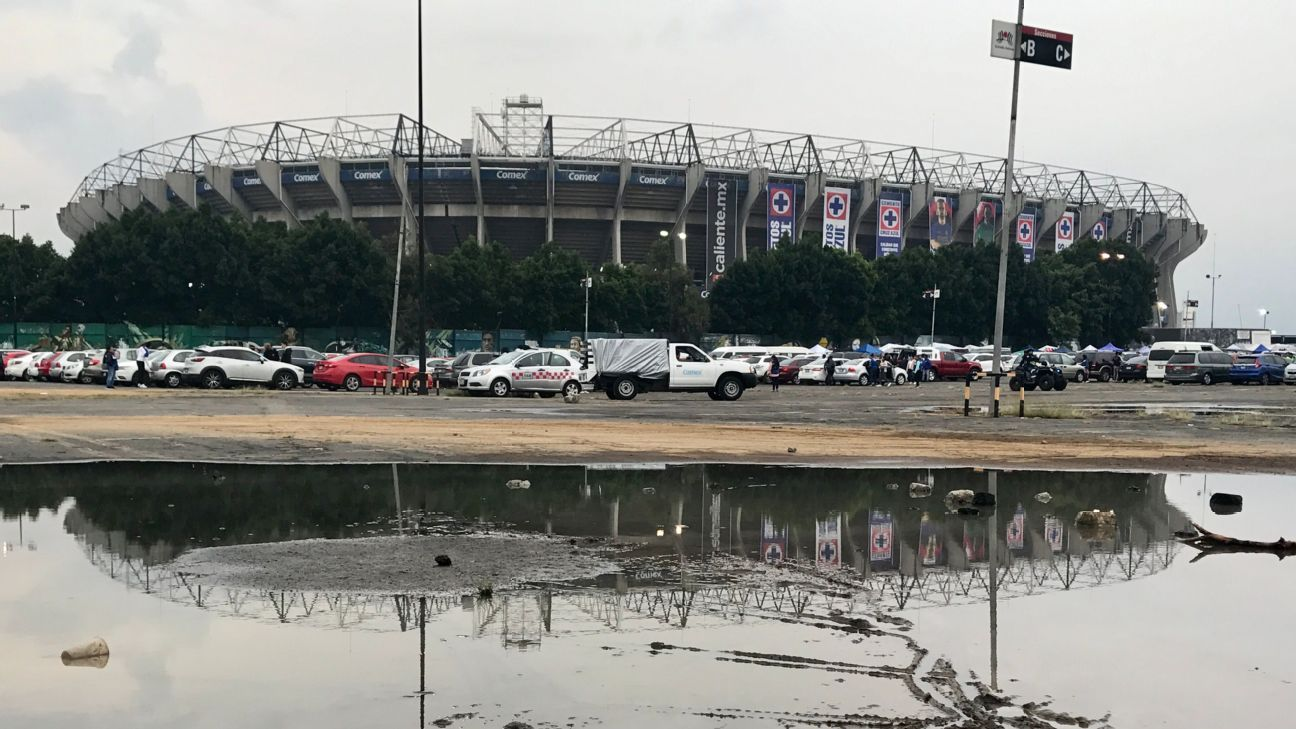 Chiefs-Rams se juega en el Estadio Azteca el lunes pese a la cancha