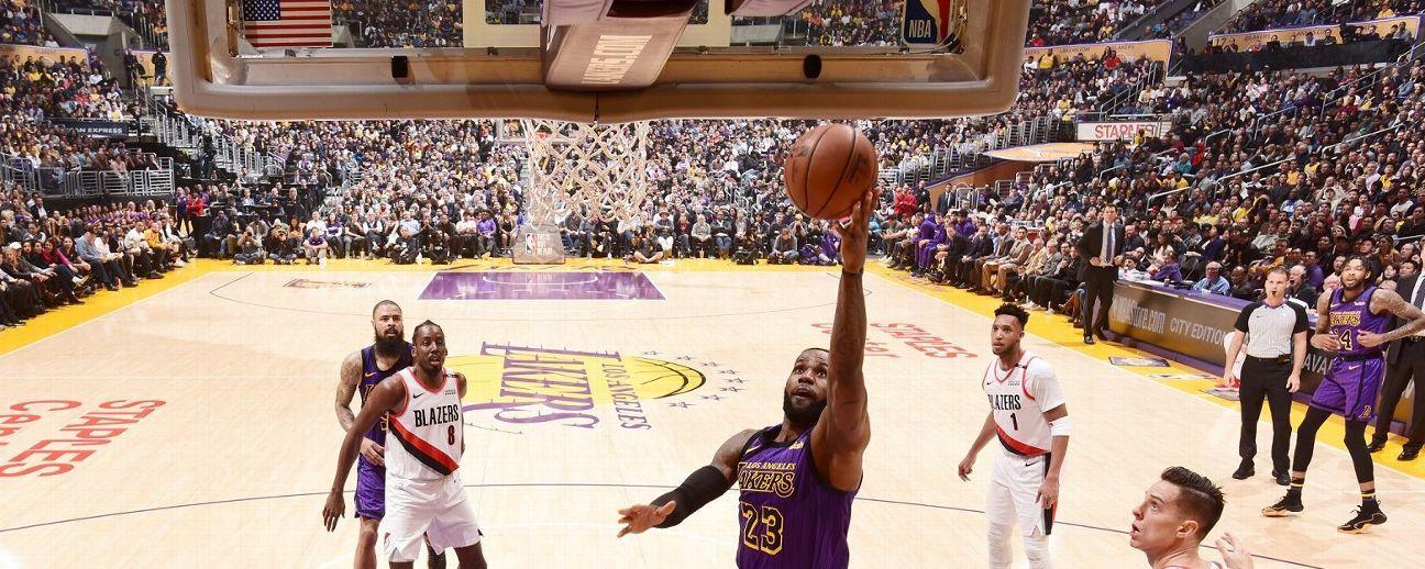 LeBron James rebasa a Wilt Chamberlain como 5o. en lista de máximos anotadores