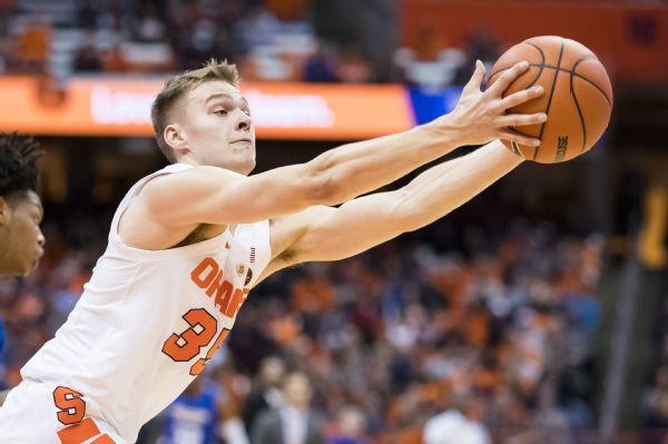 Syracuse misspells 'Boeheim' on back of jersey of coach's son