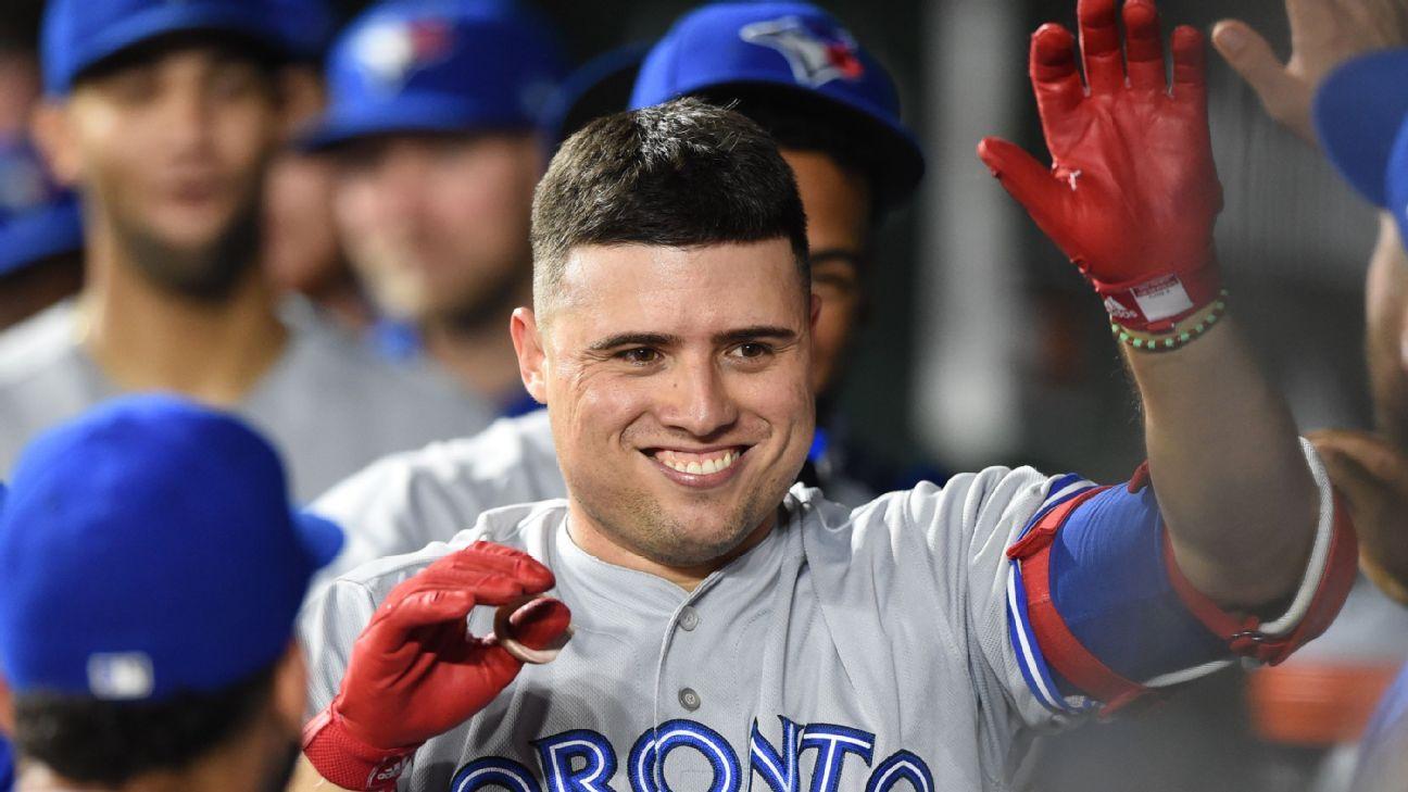 Los Astros adquieren a Aledmys Díaz de Azulejos