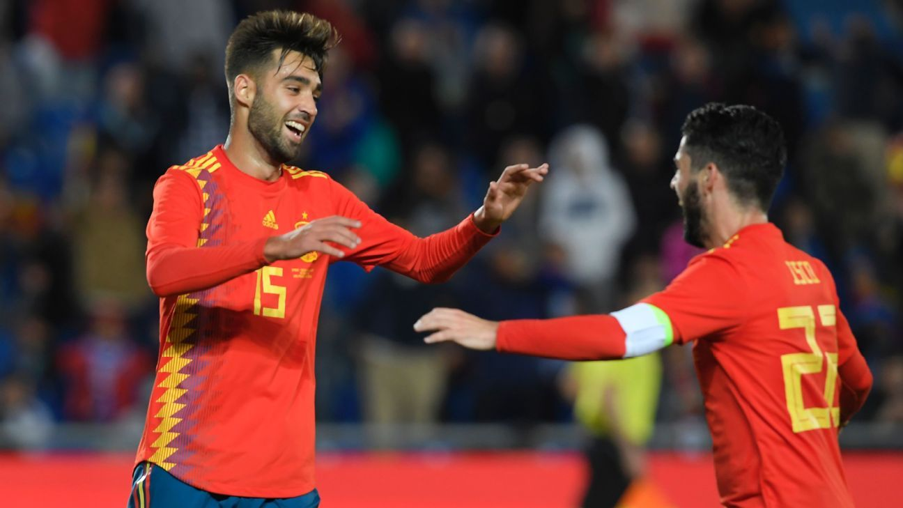 Uninspiring Spain end difficult year with win over Bosnia and Herzegovina
