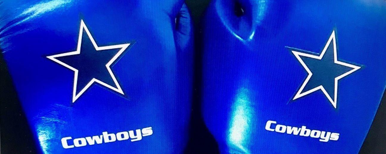 Cowboys, motivados con guantes azul y plata y cinturones de campeón del CMB