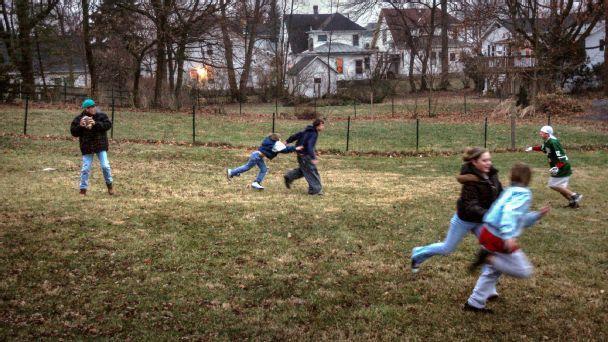 Four backyard plays to dominate your Turkey Bowl