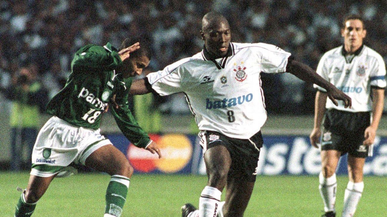 Ex-Corinthians e Palmeiras diz que nenhum vestiário do mundo é como o do Real Madrid: 'Egos'