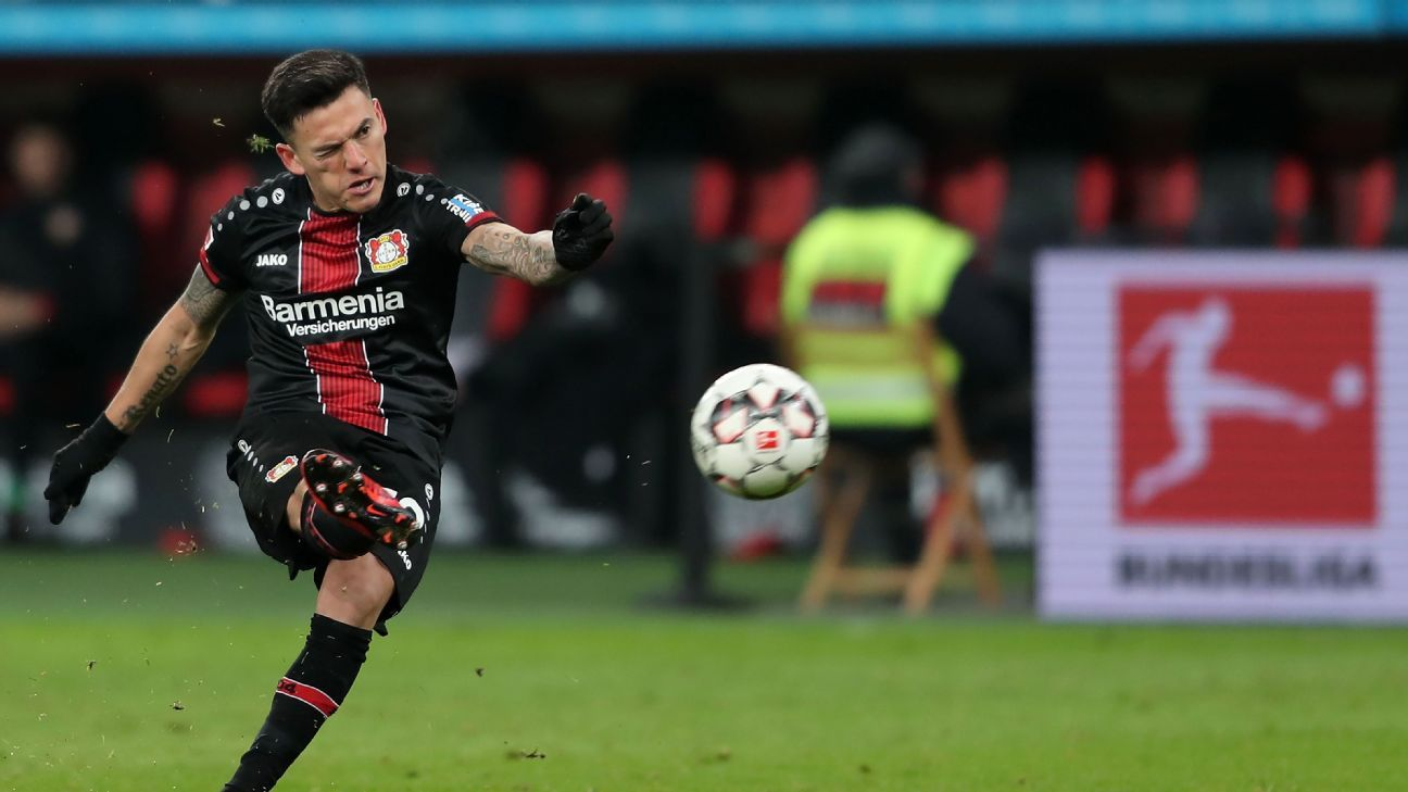 En B. Leverkusen se rinden ante Aránguiz